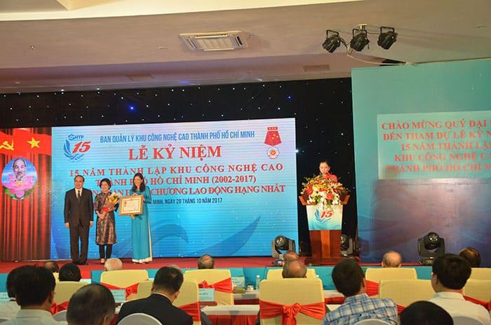 Khu Công nghệ cao TPHCM được trao tặng Huân chương Lao động hạng Nhất 4