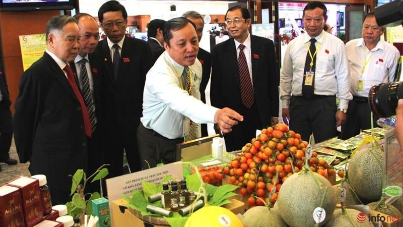 Tổng Bí Thư tham quan triển lãm Công Nghệ Cao tại TP Hồ Chí Minh 12