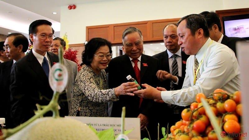 Tổng Bí Thư tham quan triển lãm Công Nghệ Cao tại TP Hồ Chí Minh 11