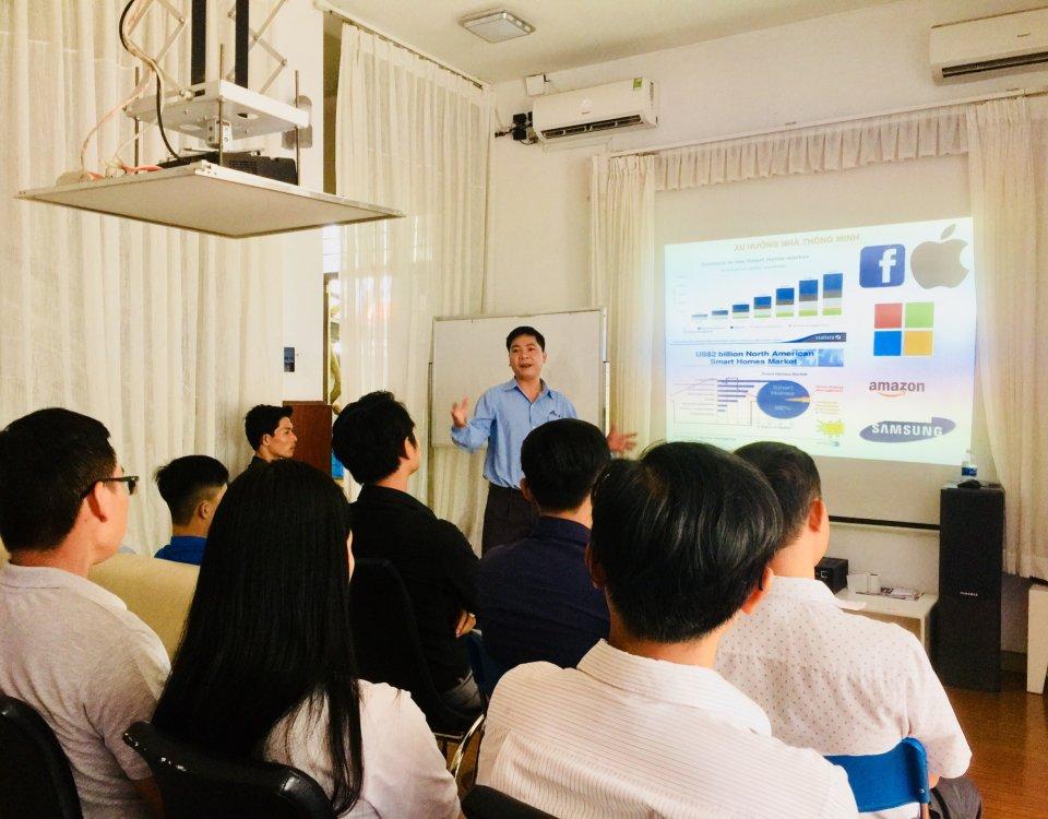 """Chương trình Đào tạo kỹ thuật thi công """"Giải pháp nhà thông minh ACIS"""" 8"""